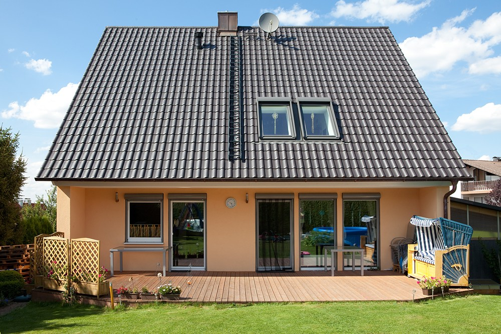 referenzen fertighaussanierung fassaden sanierung w rmed mmung wandsanierung energieeinsparung. Black Bedroom Furniture Sets. Home Design Ideas
