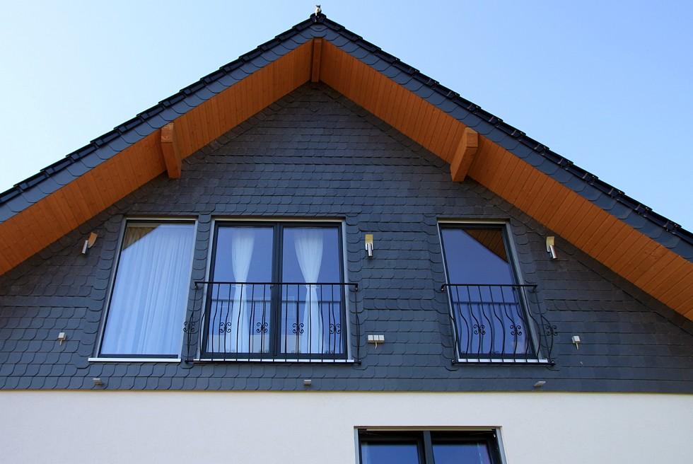 dachaufstockung anbau fertighaus sanierung modernisierung renovieren fassadensanierung. Black Bedroom Furniture Sets. Home Design Ideas